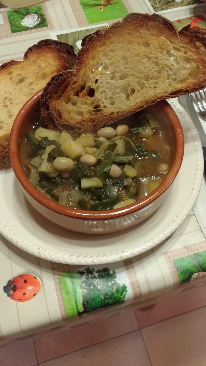 zuppa di bietola con crostino