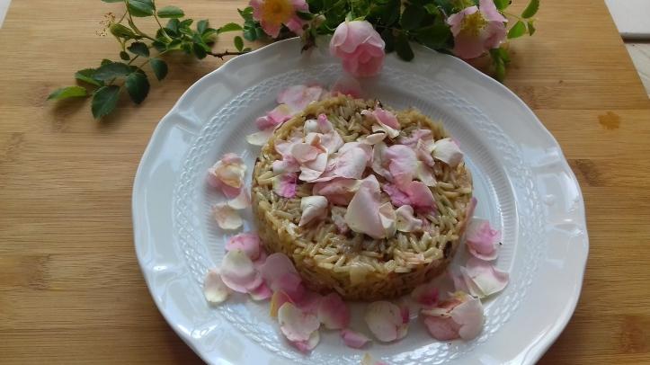 risotto ai petali rosa
