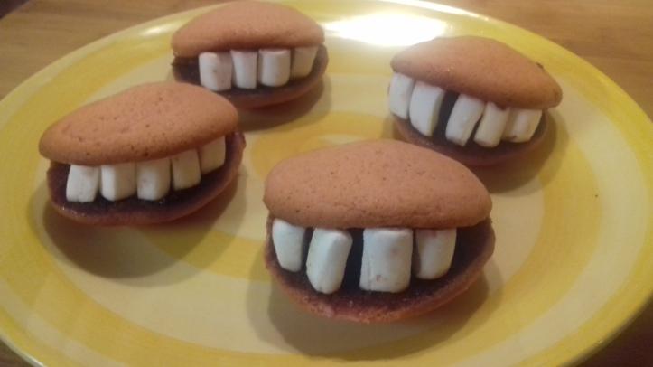 I denti di Frankestein - Dolci di Halloween - La cucina Pia - Laboratorio di cucina familiare.jpg