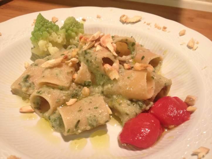 paccheri-legu-con-pesto-di-broccolo-romano-la-cucina-pia-ricette